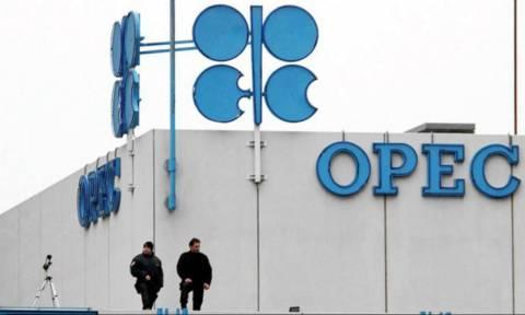 Reuters: Αυξήθηκε η μηνιαία παραγωγή πετρελαίου στα κράτη-μέλη του OPEC