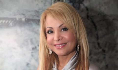 Τρόμος για την Τέτα Καμπουρέλη: Ληστές εισέβαλαν στο σπίτι της – Τραυμάτισαν τον άνδρα της
