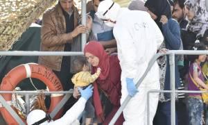 Ιταλία: 26 μετανάστες διασώθηκαν από εμπορικό πλοίο ανοικτά της Λιβύης - Φόβοι για αγνοούμενους