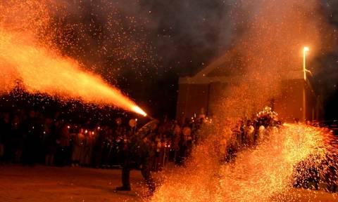 Πάσχα 2016: Πώς γιορτάζει η Ελλάδα τη μεγαλύτερη ημέρα της Ορθοδοξίας