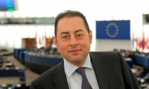 Πιτέλα: Τα «γερμανικά κοράκια» και το ΔΝΤ θέλουν να πετάξουν την Ελλάδα εκτός ευρωζώνης