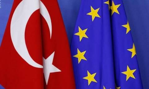 Κερδίζει το «παζάρι» η Τουρκία: Την κατάργηση βίζας θα προτείνει η Κομισιόν