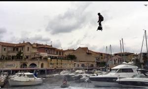 Ρεκόρ από το μέλλον: Η μεγαλύτερη πτήση με hoverboard (video + photos)