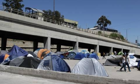 Περισσότεροι από 53.700 οι πρόσφυγες και μετανάστες στη χώρα