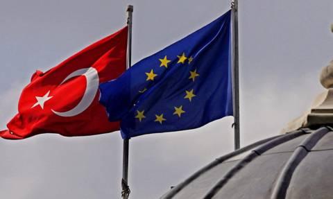 Πέρασε ο εκβιασμός των Τούρκων – Η Ευρώπη καταργεί τη βίζα