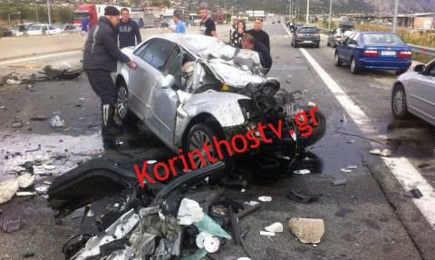 Τραγωδία στην Αθηνών - Κορίνθου: Δύο νεκροί σε τροχαίο (pics)