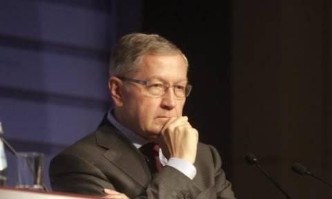 Ρέγκλινγκ: Οι τρεις λόγοι που η Ελλάδα μπήκε ξανά σε μνημόνιο