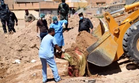 ΟΗΕ: Περισσότεροι από 50 ομαδικοί τάφοι του ISIS ανακαλύφθηκαν στο Ιράκ (Vid)