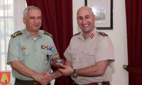 Στη Μάλτα ο στρατηγός Κωσταράκος (pics)