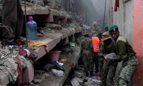 Αυξάνεται δραματικά ο αριθμός των νεκρών από την κατάρρευση του κτηρίου στην Κένυα