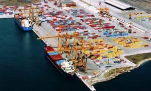 Θεσσαλονίκη: Ένταση στον ΟΛΘ - Εργαζόμενοι «πολιορκούν» το σταθμό εμπορευματοκιβωτίων