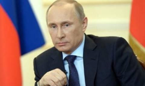 Путин увидел силу граждан России в преданности родине