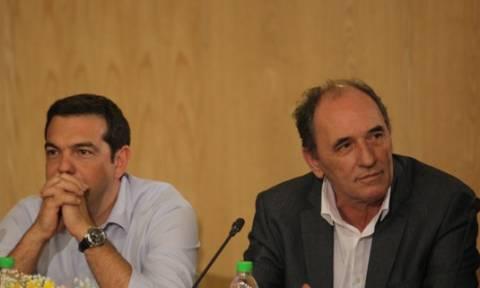 Βαρύ πακέτο με «κόφτη» και κόκκινα δάνεια φέρνει η κυβέρνηση στη Βουλή
