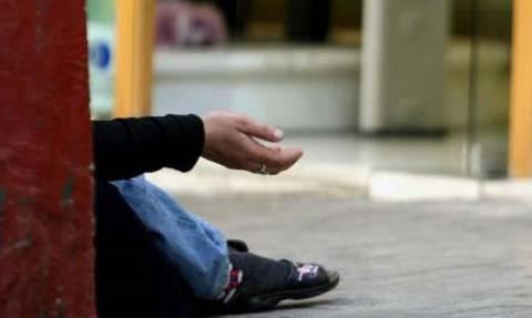 Καλαμάτα: Χειροπέδες σε γονείς που προέτρεπαν τα παιδιά τους στην επαιτεία