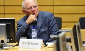 Νέα «βόμβα» από Σόιμπλε: Δεν θα γίνει πραγματικό κούρεμα του ελληνικού χρέους
