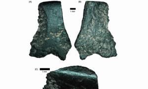 Αυστραλία: Ανακαλύφθηκε ο αρχαιότερος πέλεκυς με λαβή στον κόσμο (photos)