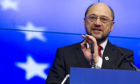 «Μπλόκο» Σουλτς στην απελευθέρωση της βίζας για τους Τούρκους