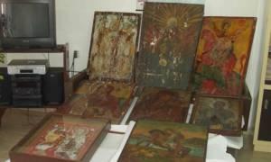 Συγκίνηση: Επαναπατρισμός εικόνων που είχαν κλαπεί από ελληνικούς ναούς