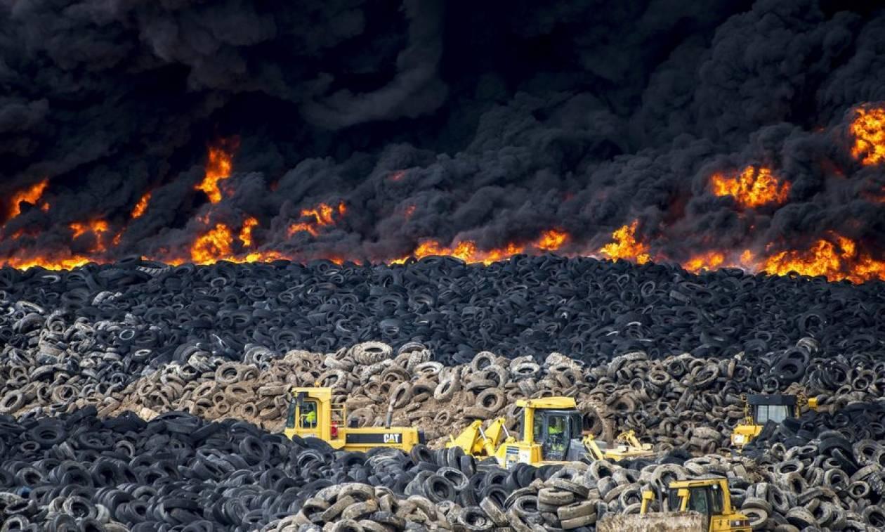 Ισπανία: Πανικός για το τοξικό νέφος από πυρκαγιά σε χωματερή ελαστικών - Φυγή για 10.000 κατοίκους
