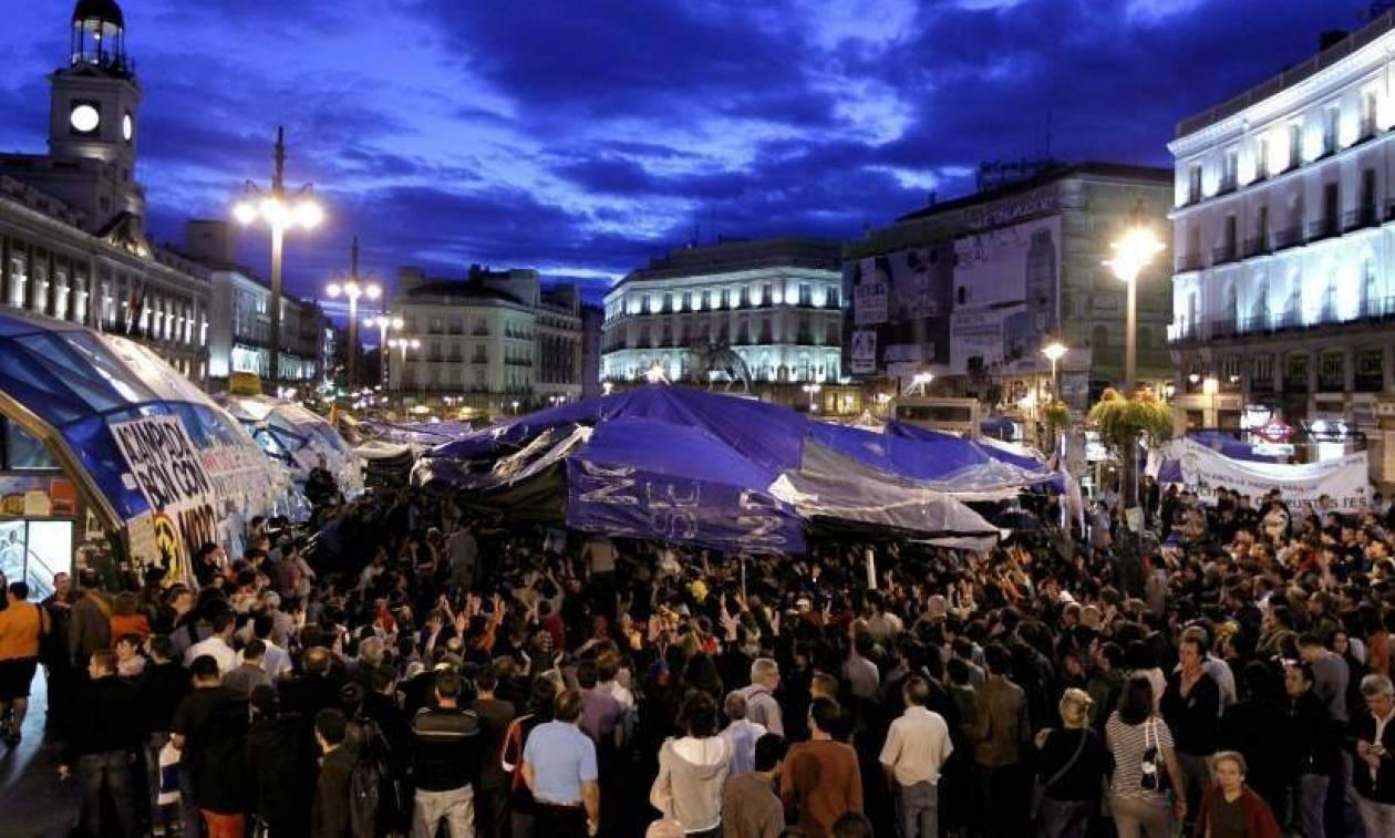 Ισπανία: Οι αγανακτισμένοι επέστρεψαν - Χιλιάδες άνθρωποι στους δρόμους (pic+vid)