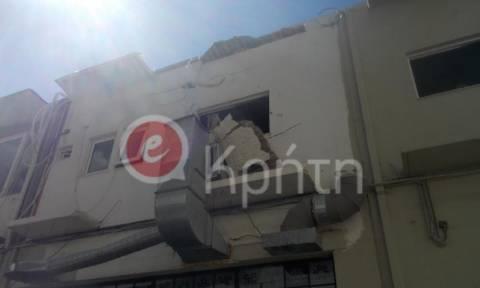 Ηράκλειο: Απίστευτο ατύχημα - Υποχώρησε το μπαλκόνι κι έπεσαν στο κενό (photos)