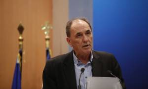 Σταθάκης: Η κυβέρνηση προχωράει στη χάραξη οδικού χάρτη για τη χαλάρωση των capital controls