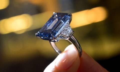 Ελβετία: Ρεκόρ για το μπλε διαμάντι Oppenheimer που πουλήθηκε σε τιμή σοκ! (pics)