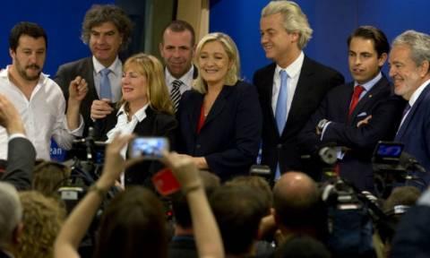 ΕΚ: 13 εκατ. ευρώ κοστίζουν οι ακροδεξιοί ευρωβουλευτές στους φορολογούμενους