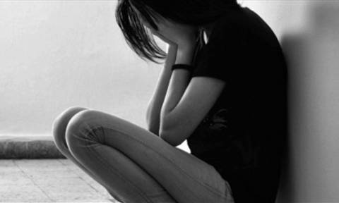 Φρίκη στην Κυπαρισσία: Έπιασαν 60χρονο στο κρεβάτι με 10χρονη!