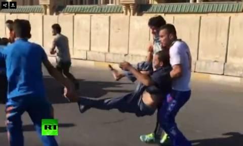Βαγδάτη: Χιλιάδες διαδηλωτές εισέβαλαν στο γραφείο του Πρωθυπουργού - Αναφορές για νεκρούς (vids)