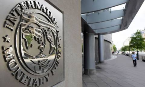 Le Monde: Το περίεργο παιχνίδι του ΔΝΤ στην ελληνική κρίση