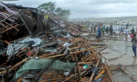 Μπανγκλαντές: Τουλάχιστον 20 νεκρούς και 500.000 εκτοπισμένους άφησε ο κυκλώνας Ροάνου