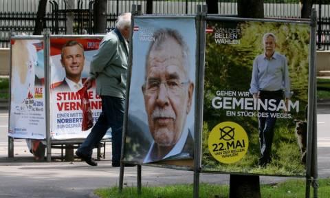Αυστρία: Δεύτερος γύρος προεδρικών εκλογών σήμερα - Ακροδεξιός και οικολόγος, οι δύο υποψήφιοι