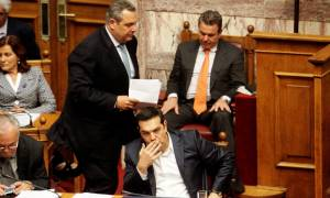 Πολυνομοσχέδιο - Βουλή LIVE: Ναι σε όλα με «κλάμα» από τους βουλευτές του ΣΥΡΙΖΑ!
