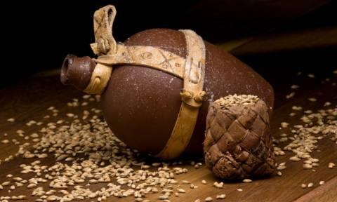 Αρχαιολόγοι ανακάλυψαν τη μυστική συνταγή αρχαίας μπύρας 5.000 ετών (Vid)