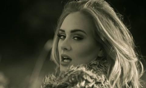 Η Adele υπέγραψε το ακριβότερο συμβόλαιο στην ιστορία της βρετανικής μουσικής