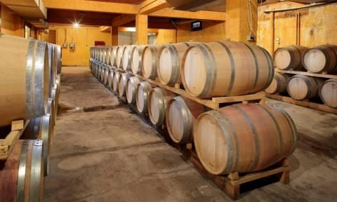 Θα πούμε το «κρασί… κρασάκι» - Δραματικές πτώσεις στις πωλήσεις λόγω ΕΦΚ