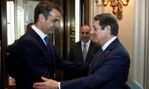 Μητσοτάκης - Αναστασιάδης: Λύση το ταχύτερο δυνατόν για το Κυπριακό