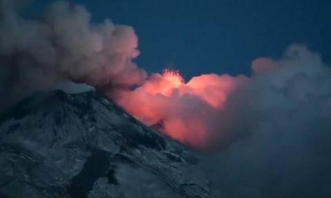 «Ξύπνησε» ξανά το μεγαλύτερο ηφαίστειο της Ευρώπης! (vid)