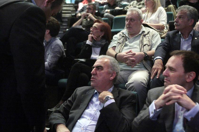 Ποιοι και γιατί «ξεπλένουν» τον Γιώργο Παπακωνσταντίνου