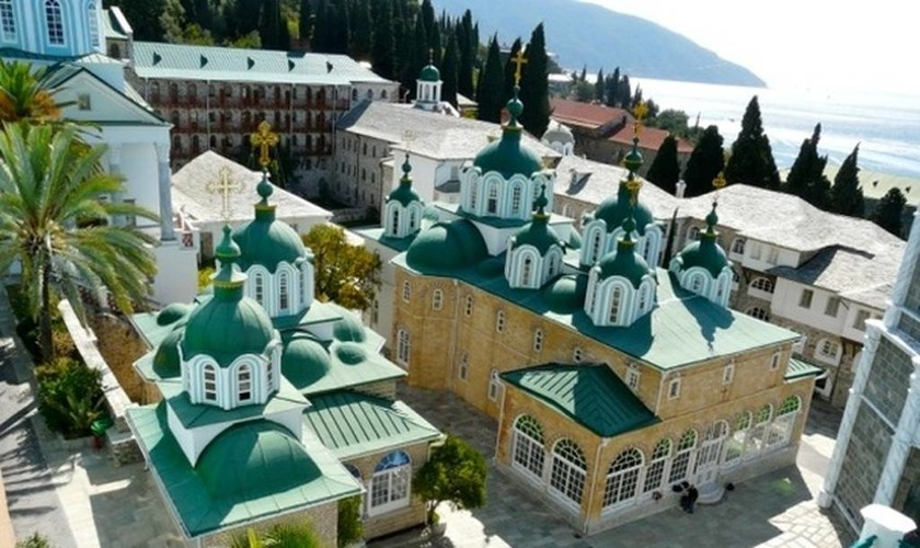 Αυτό είναι το μοναστήρι του Αγίου Όρους που θα επισκεφθεί ο Βλαντιμίρ Πούτιν