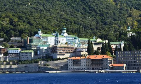 Αυτό είναι το μοναστήρι του Αγίου Όρους που θα επισκεφθεί ο Βλαντιμίρ Πούτιν (Pics & Vid)