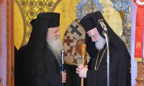 Ο Αρχιεπίσκοπος Κρήτης στην Σαντορίνη