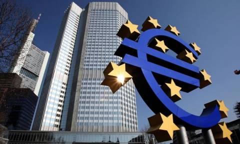 WSJ: Η ΕΚΤ θα μπορούσε να δεχθεί την Πέμπτη τα ελληνικά ομόλογα