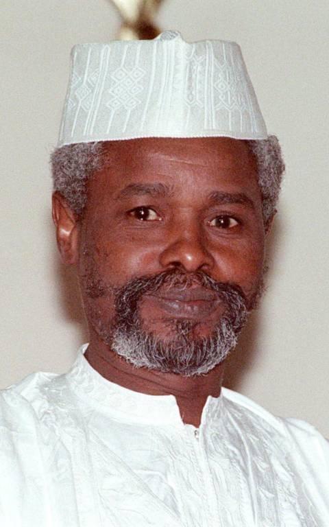 Ιστορική καταδίκη: Iσόβια για εγκλήματα κατά της ανθρωπότητας στον πρώην πρόεδρο του Τσαντ (Vid)
