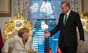 O Ερντογάν απειλεί τη Μέρκελ για την αναγνώριση της γενοκτονίας των Αρμενίων - Τι είπε για τη Ρωσία