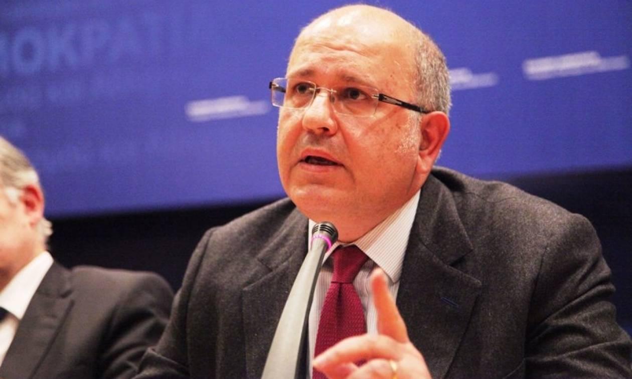 Ξυδάκης: Η Ελλάδα στο εξής θα χορηγεί βίζες σε όσους Ρώσους πολίτες δικαιούνται