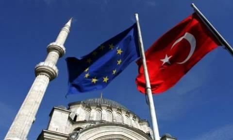Τουρκία - ΕΕ: Αρχίζουν αύριο διαπραγματεύσεις σε επίπεδο εμπειρογνωμόνων για τις βίζες