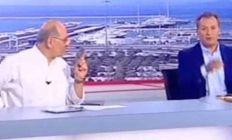 Απίστευτο: Δημοσιογράφος του ΣΚΑΪ εμφανίστηκε ζωντανά με σακάκι και σορτσάκι! (video)
