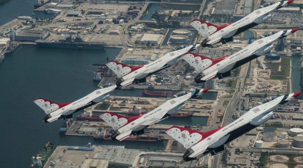 Έκτακτο: Συνετρίβη F-16 σε τελετή αποφοίτησης της Πολεμικής Αεροπορίας!